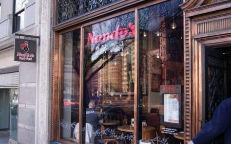 Nando's exterior-1